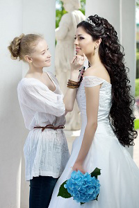 Image Of The Stylist Takes Care Bride