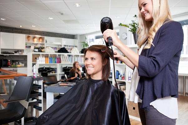 4 Tips for Being a Great Salon Assistant