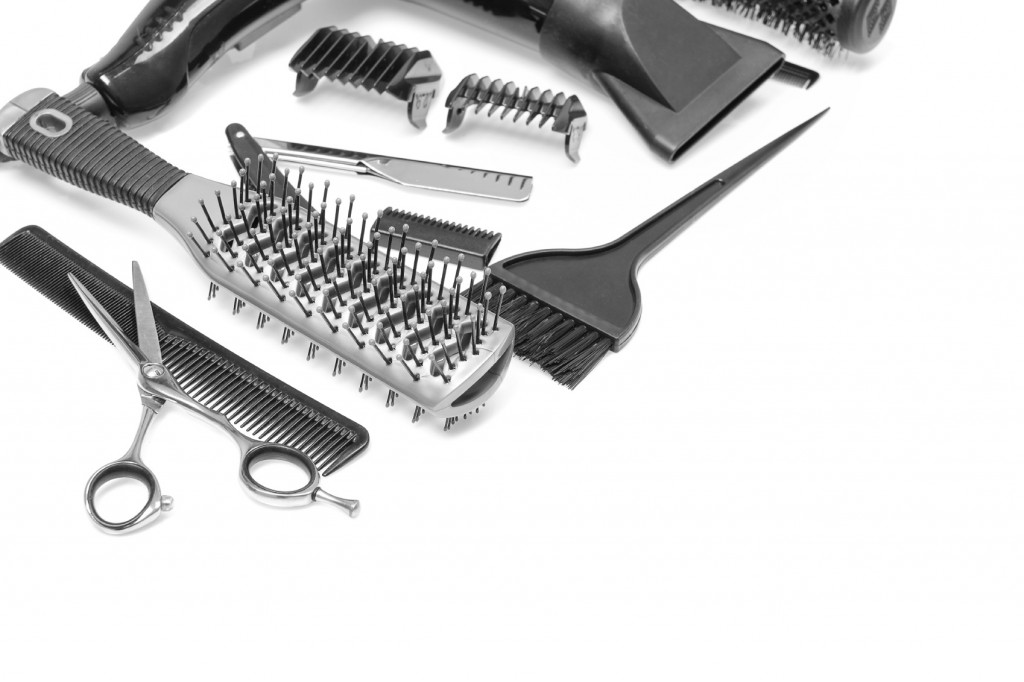 A Gentlemans Guide To Tame Your Mane With These Combs And Brushes