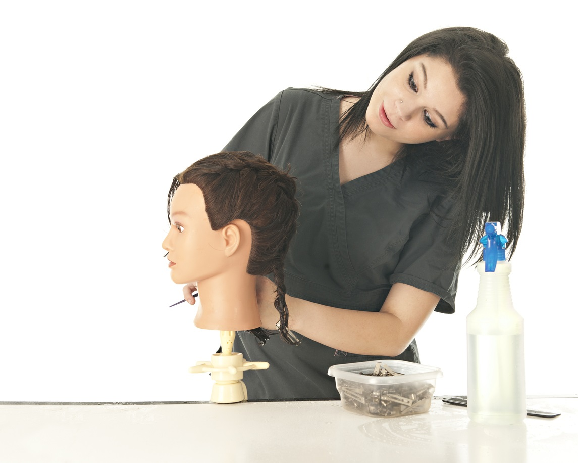 What You'll Learn in Cosmetology School