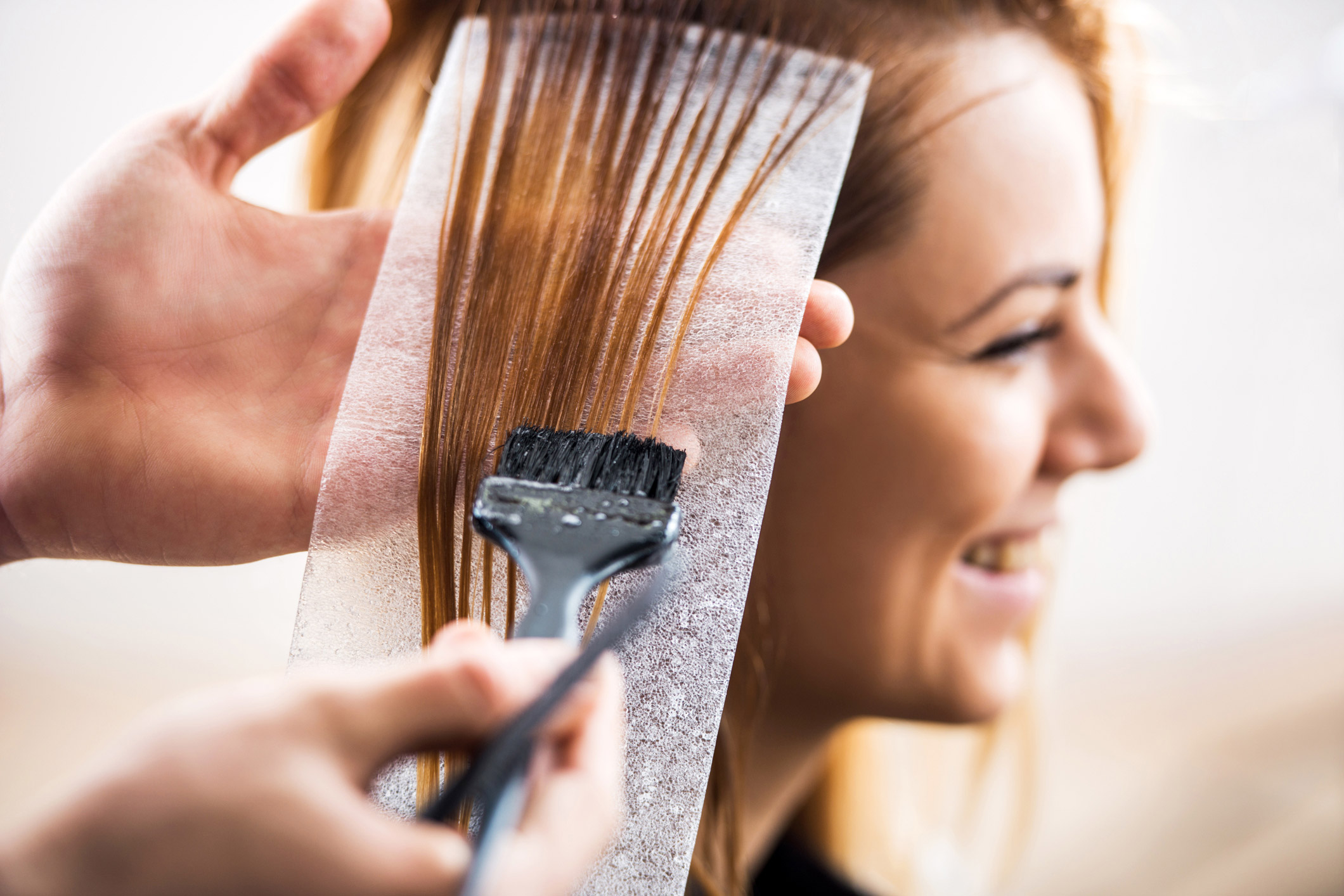How to Become a Hair Color Specialist