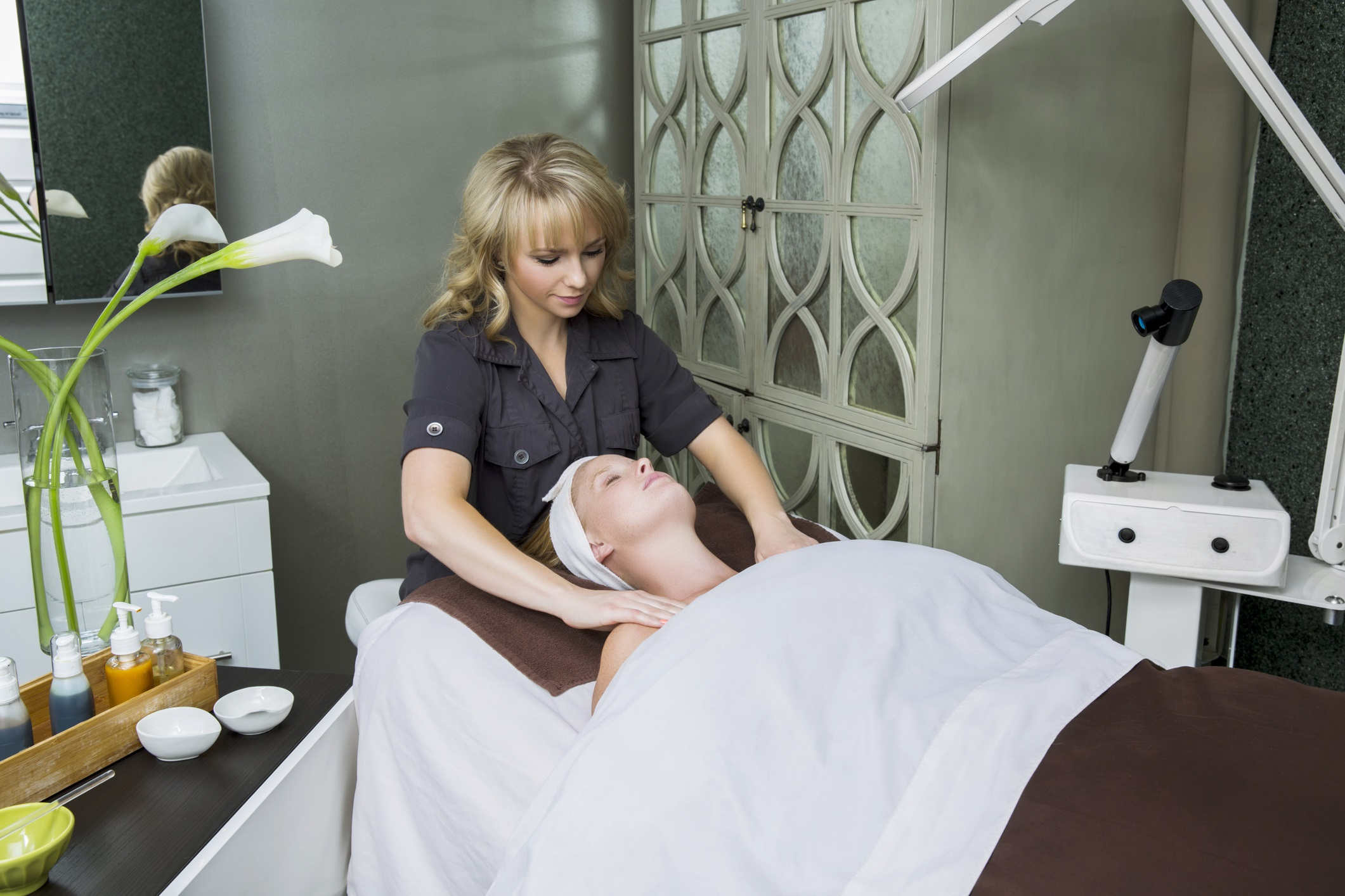 The esthetician career 3 places you might work for Salon success