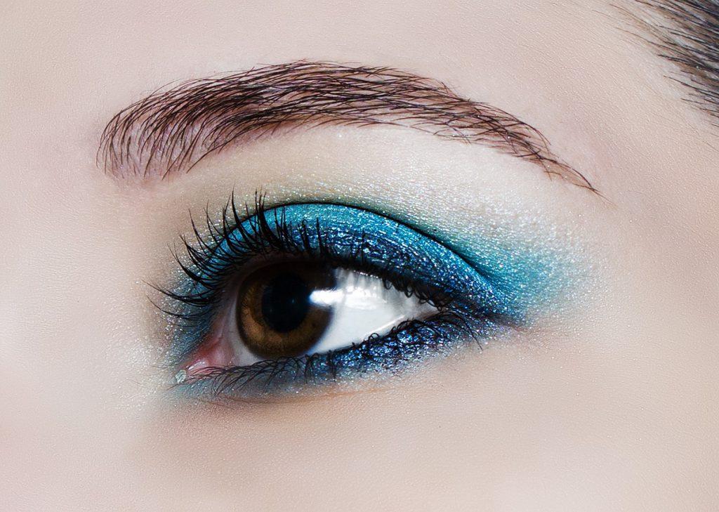 Brown eye with eyeshadow