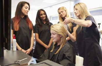 a cosmetology class in California