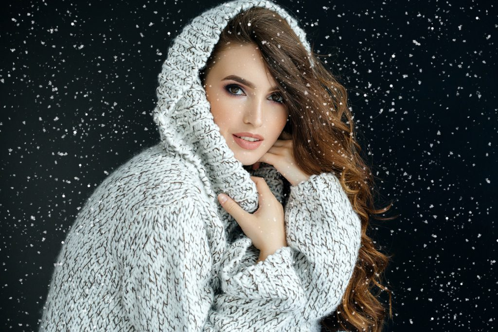 woman with healthy hair even in winter