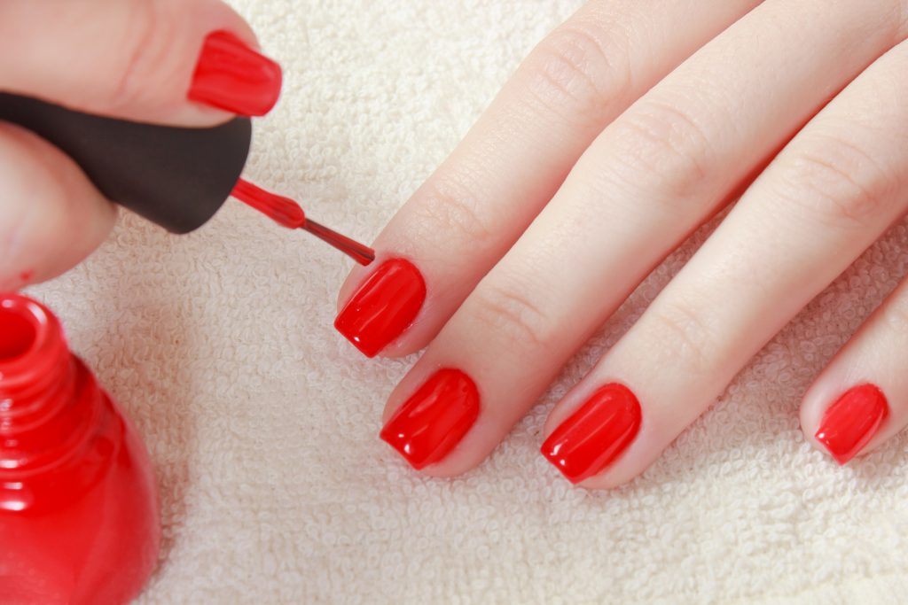 5 steps to a do it yourself manicure youll love solutioingenieria Gallery